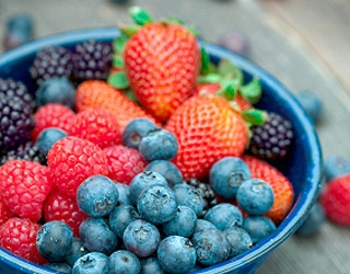 10 Foods That Can Help Prevent Cancer: Berries